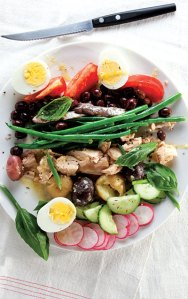 Photograph from http://www.saveur.com/sites/saveur.com/files/images/2012-05/7-SAV148-SaladeNicoise-400x637.jpg